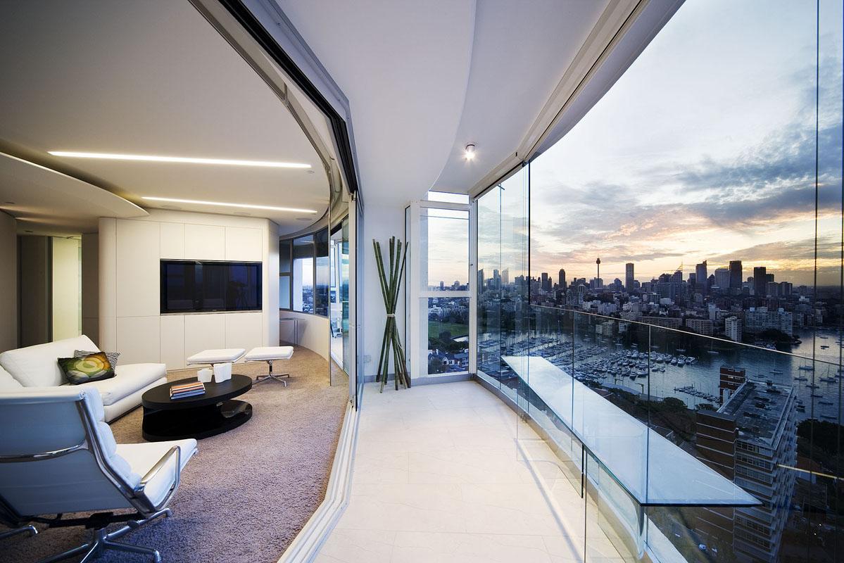 Модульное остекление балкона панорамными окнами