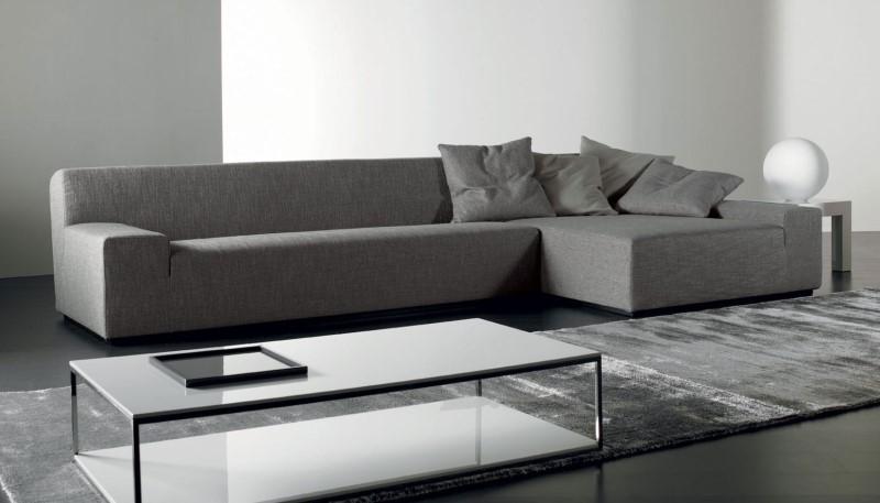 Модульный диван в интерьере хай-тек