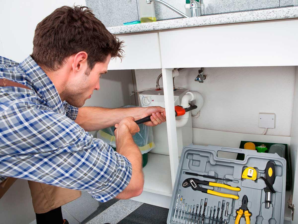 Прочистка засора кухонной мойки
