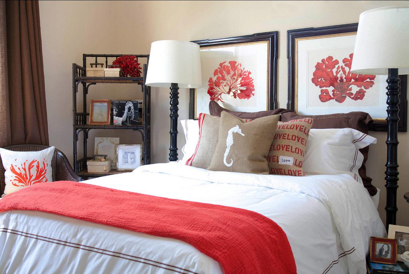 Декоративные подушки в морской стилистике