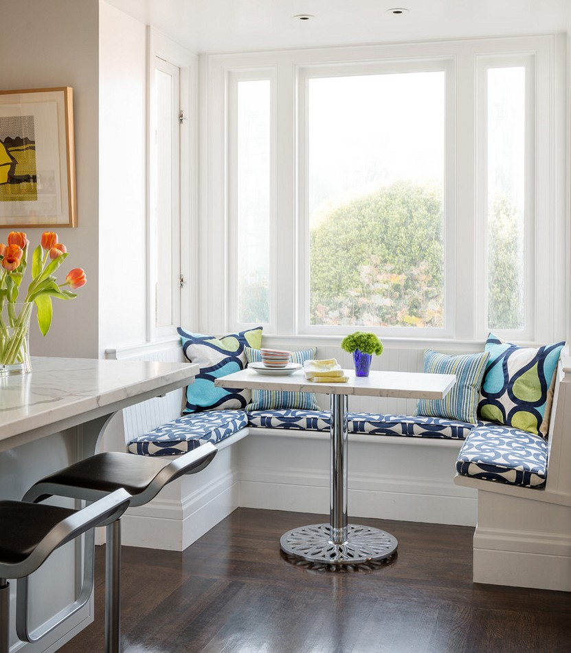 Мягкая зона у кухонного окна