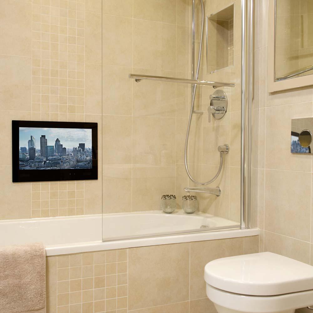 Небольшой телевизор в ванной комнате