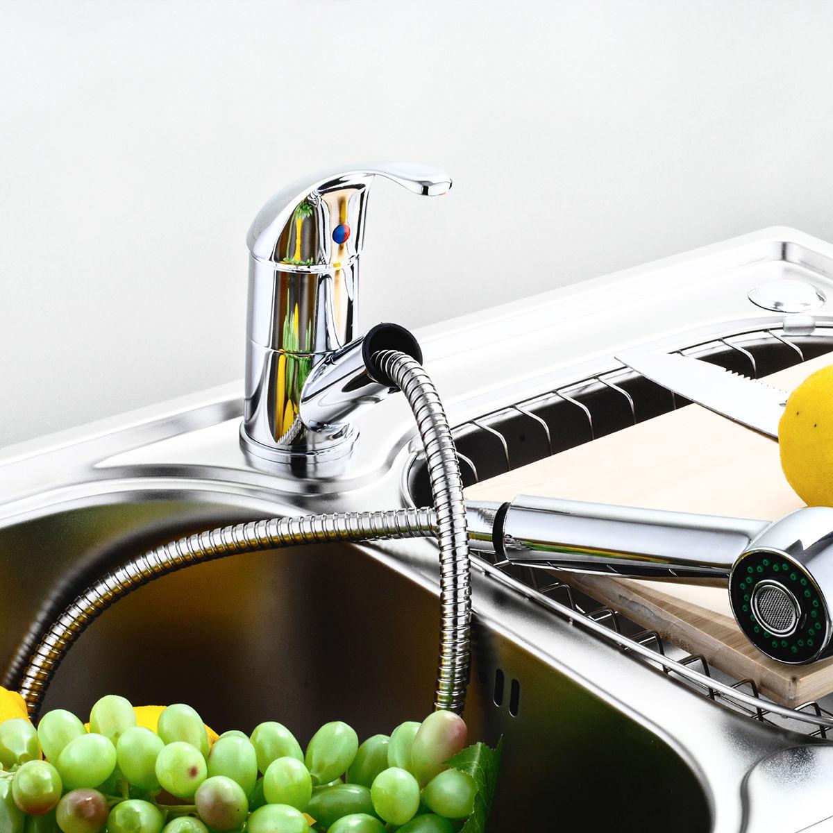 Никелевый кухонный смеситель с выдвижной лейкой