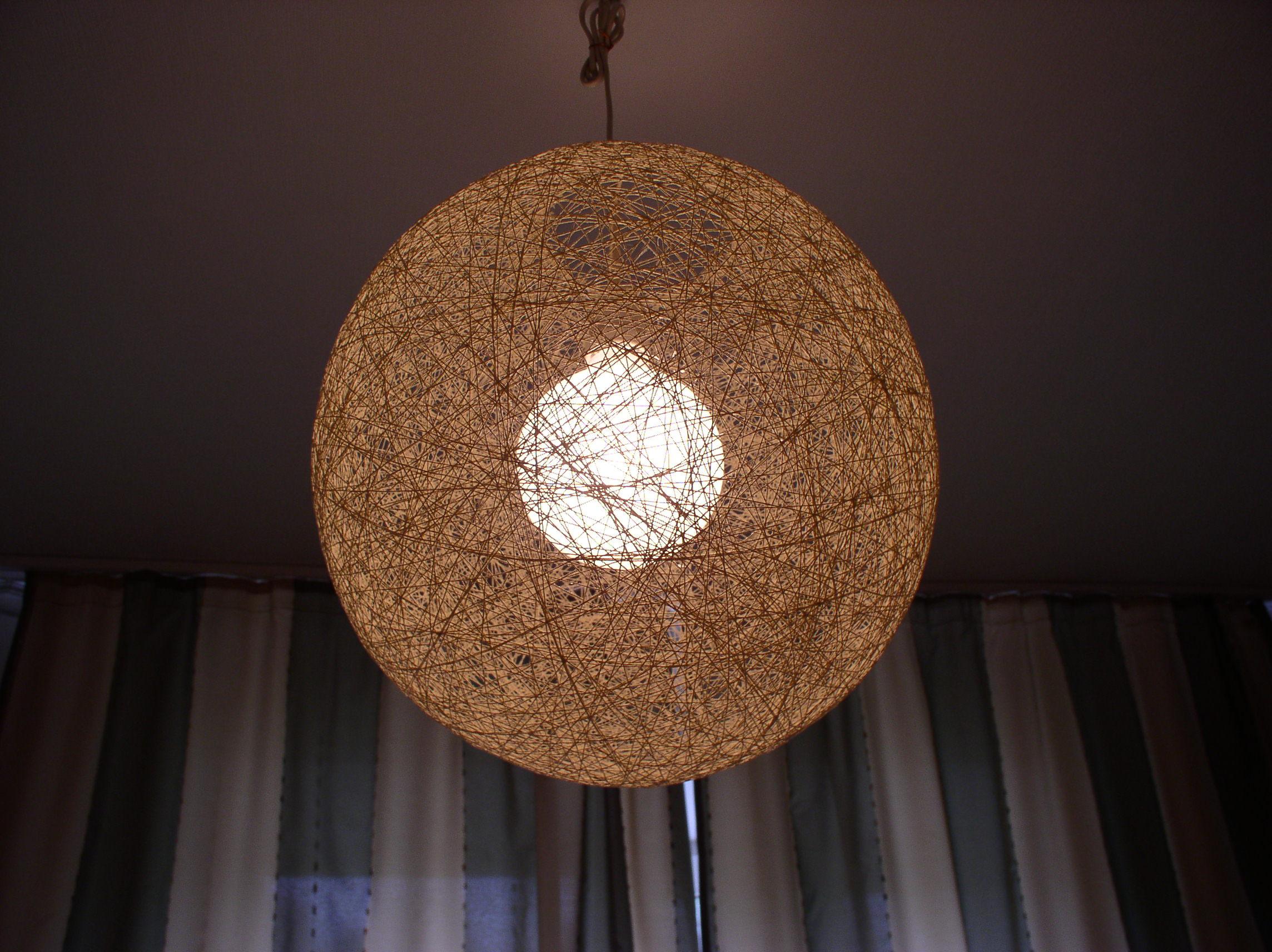 Декор люстры нитками