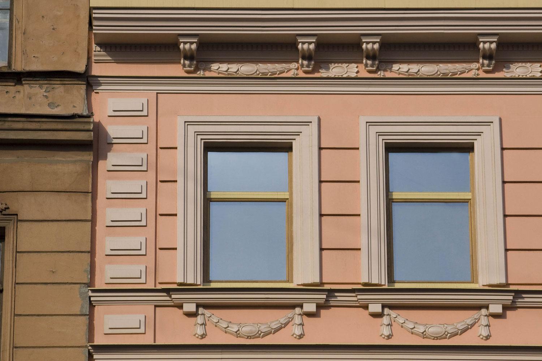Фасадный декор окна