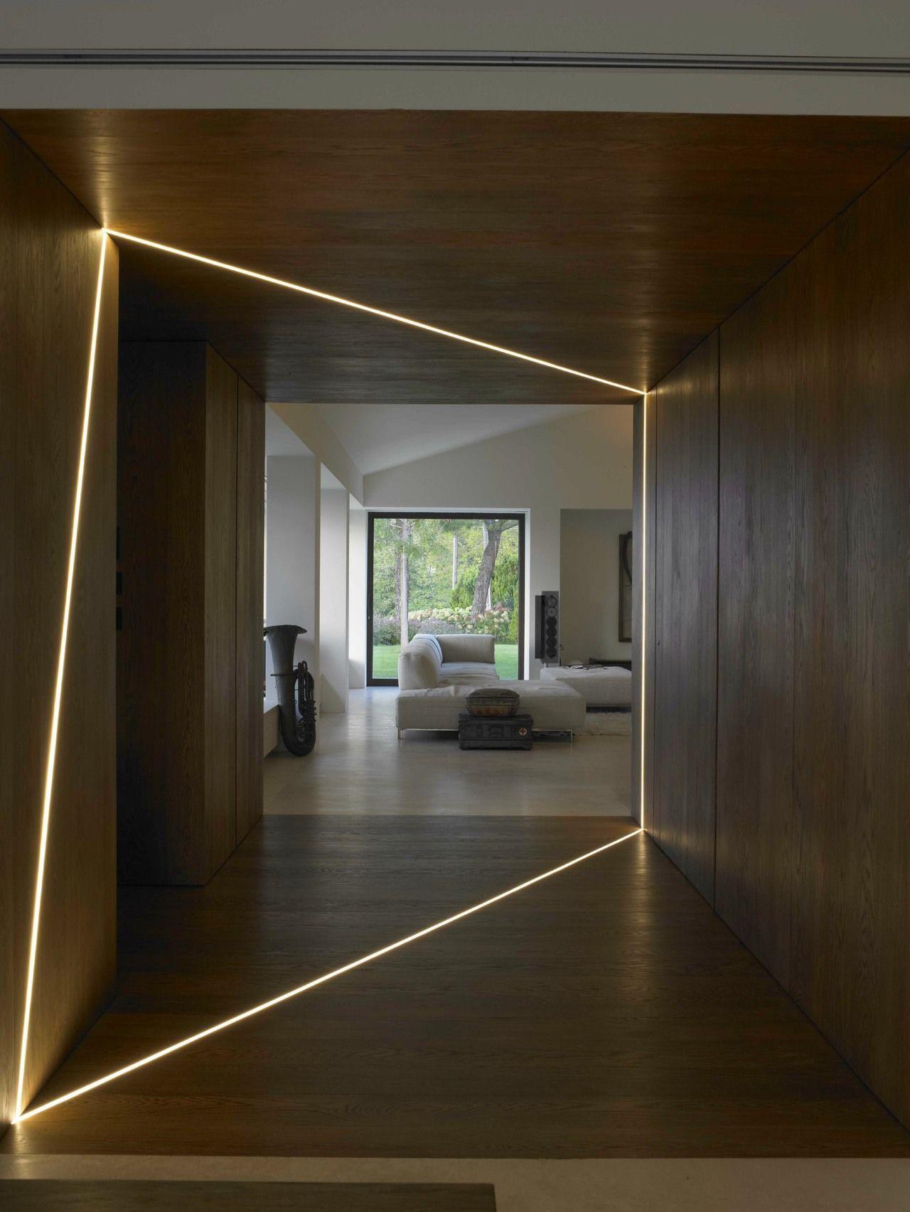 Потолок со светодиодной подсветкой оригинальной