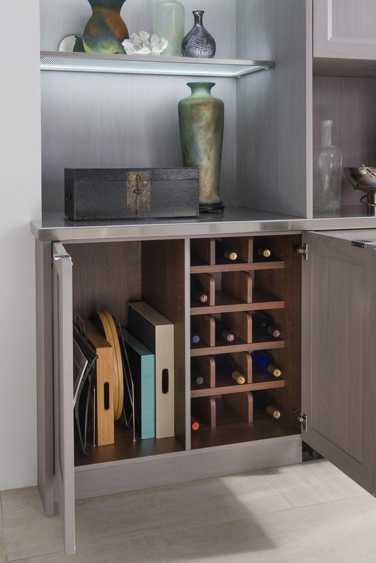 Отделение для вина в шкафу