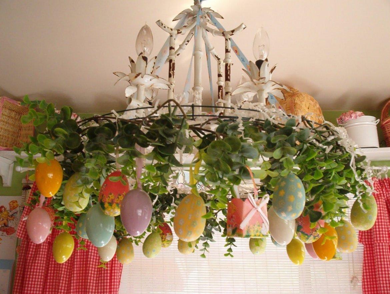 Пасхальный декор люстры