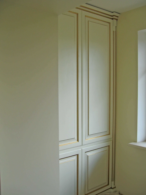 Декор классического шкафа патиной