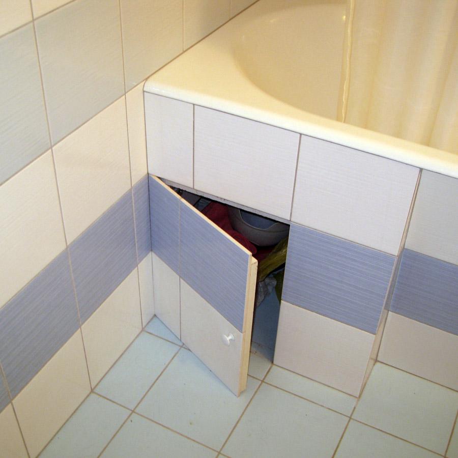 Дверь из плитки в нишу под ванной