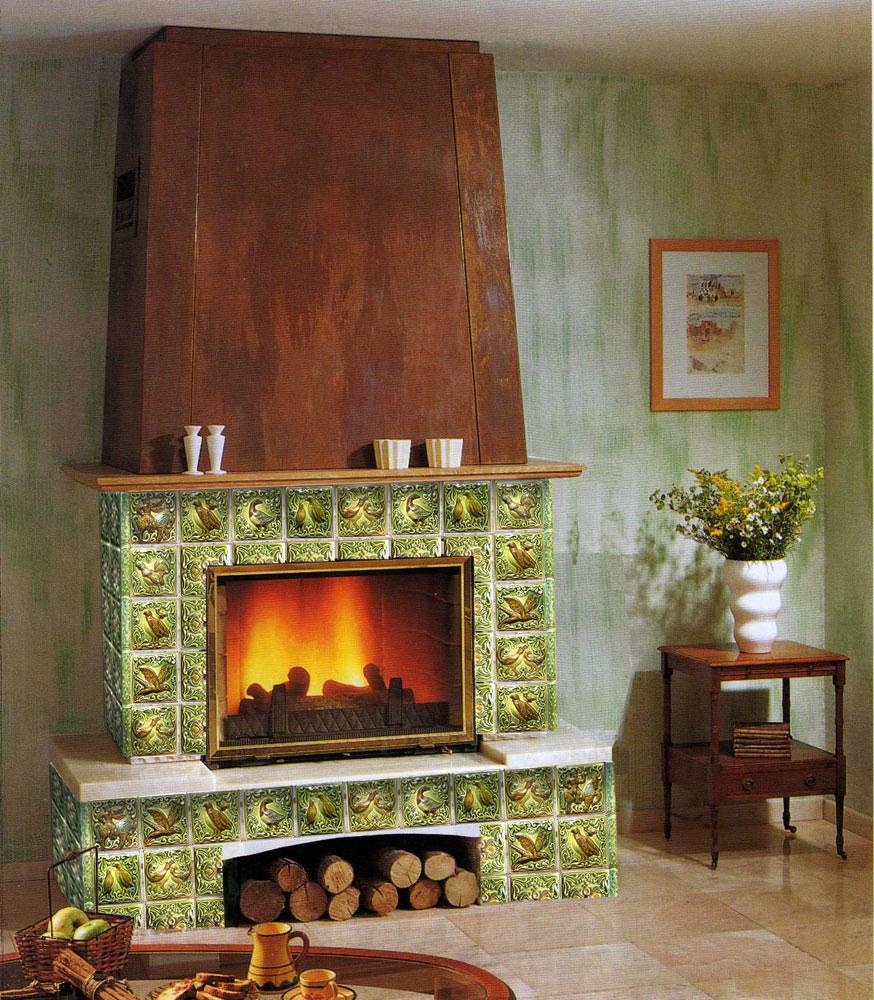 Декор камина плиткой