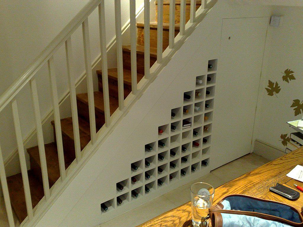 Шкаф для вина под лестницей