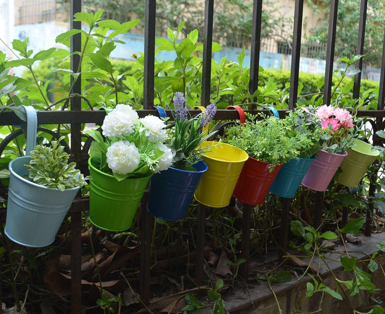 Подвесной вазон для цветов