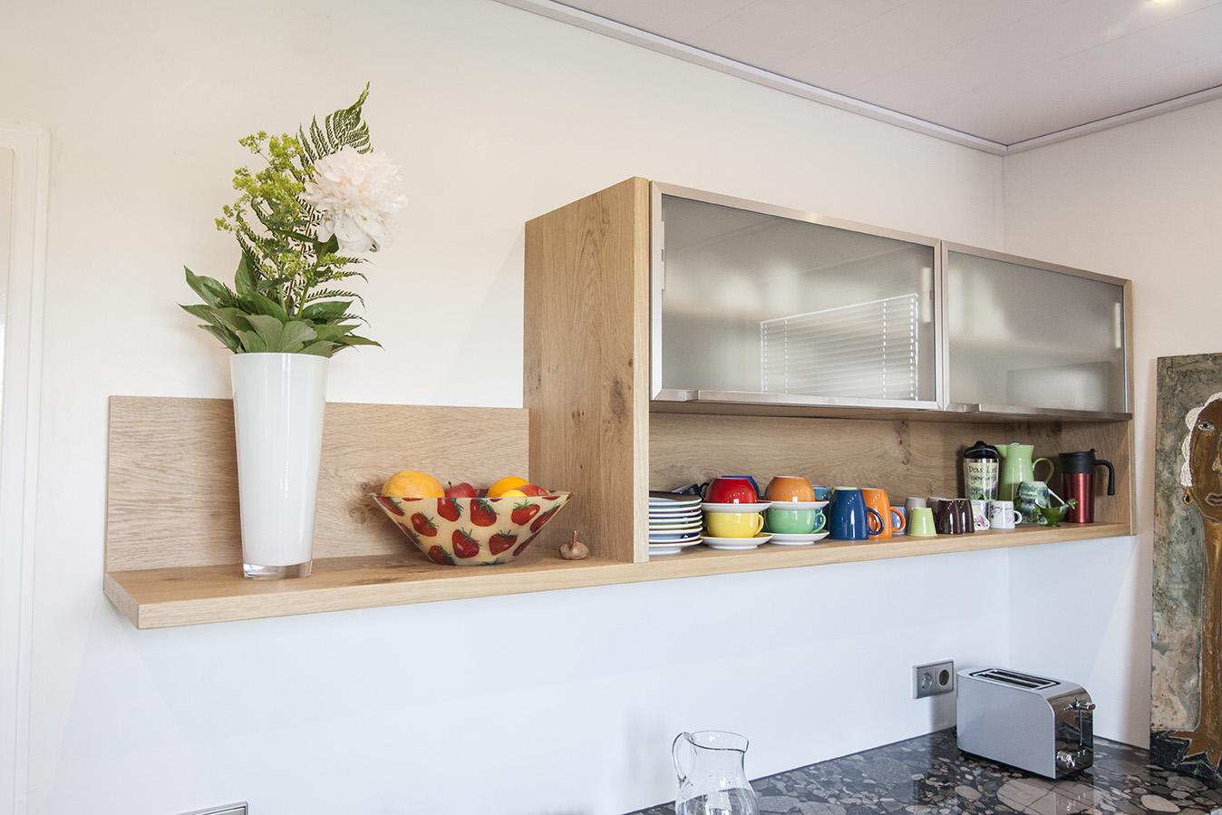 Дизайн кухни с подвесными шкафчиками 2019