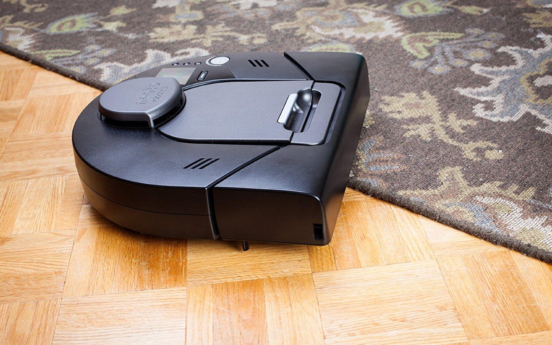Робот-пылесос с батареей подзарядки