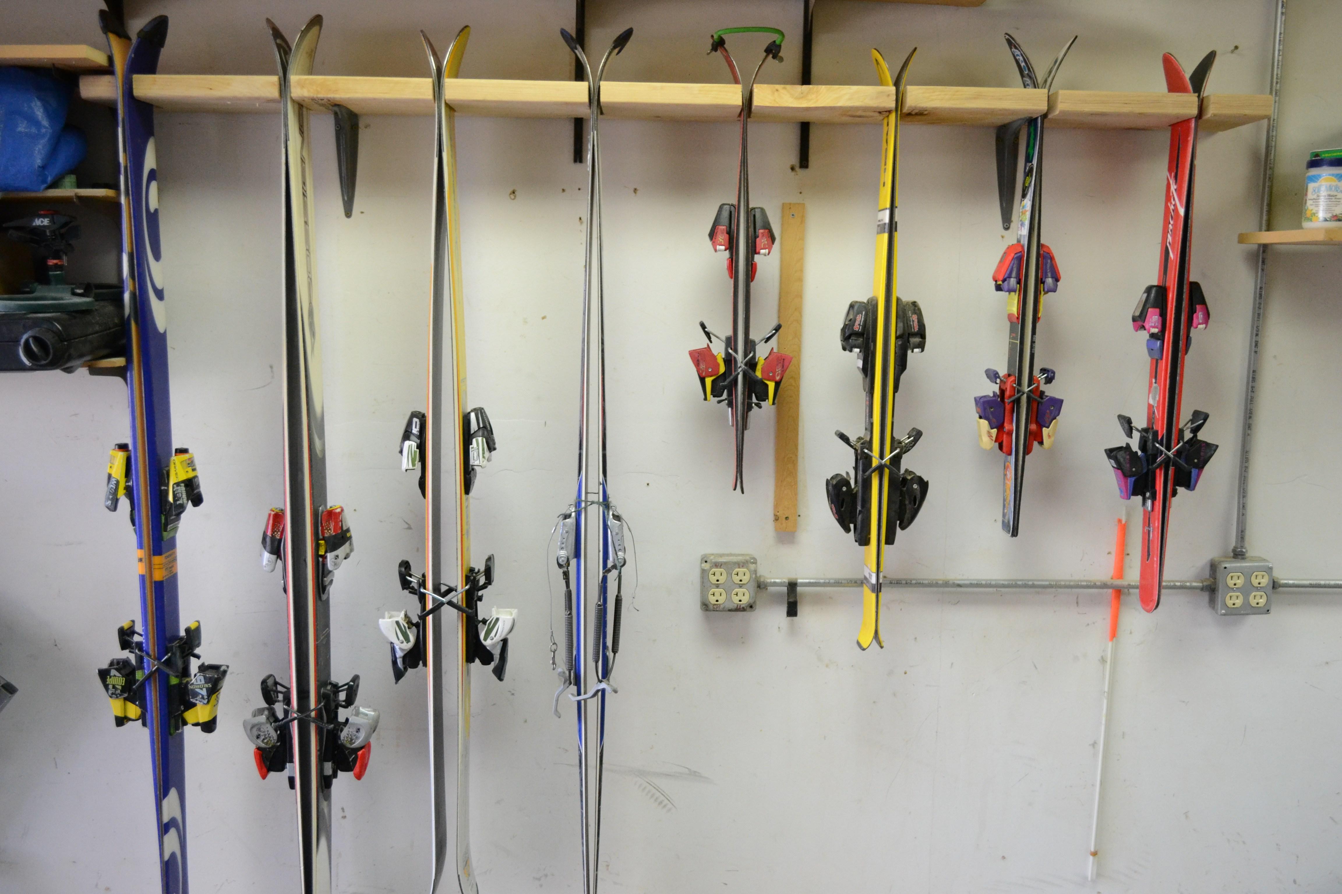 Полка для лыж
