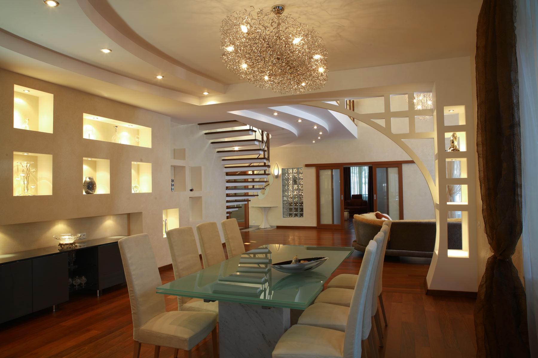 Светодиодная подсветка стены в гостиной