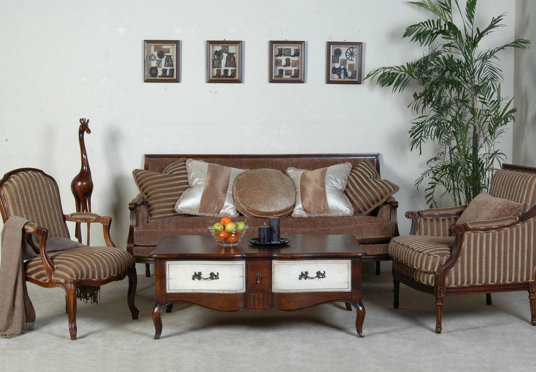 Полосатое кресло в стиле прованс