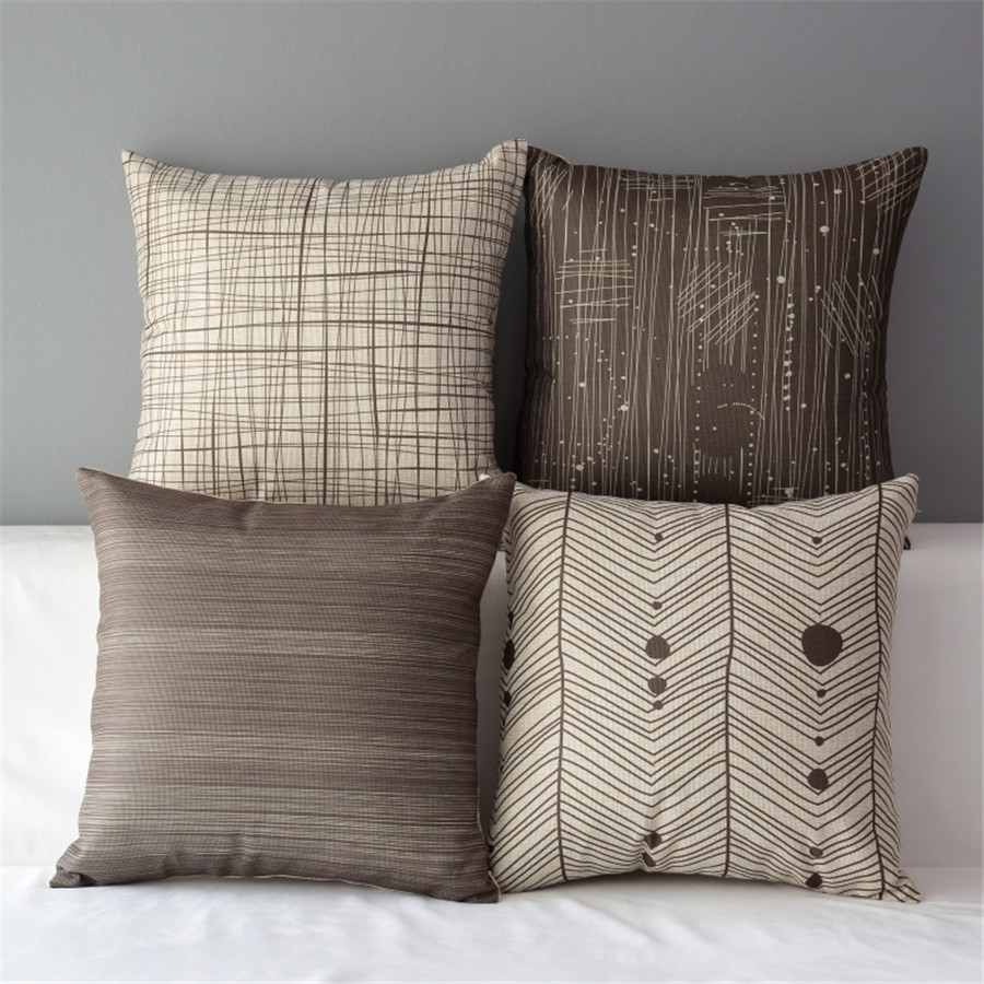 Полосатые декоративные подушки