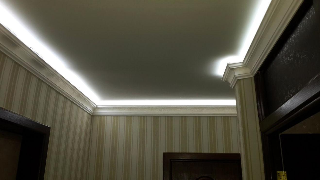 Светодиодная подсветка потолка в прихожей