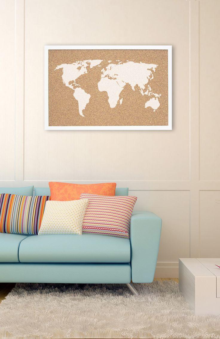 Пробковая карта в гостиной