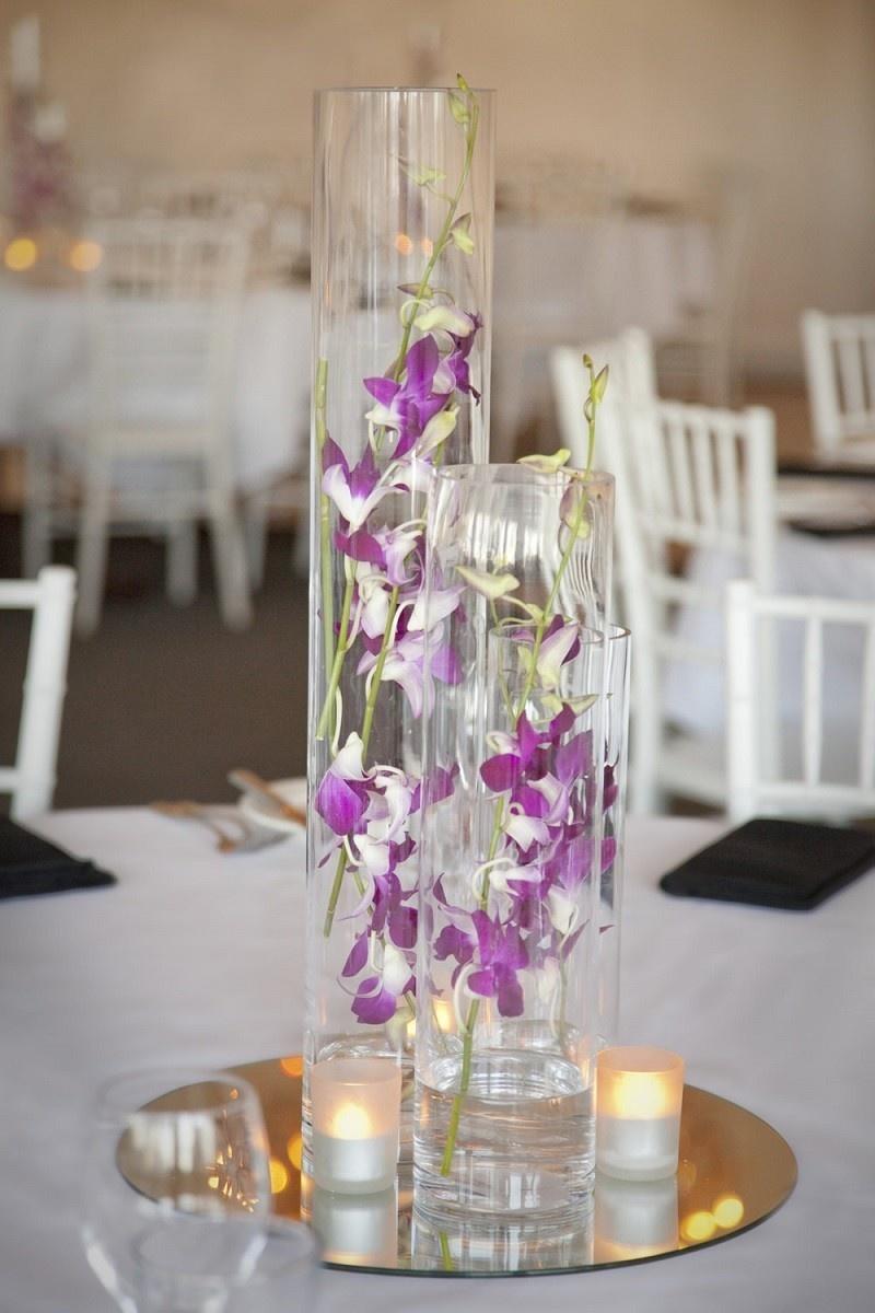 Прозрачная ваза в декоре интерьера