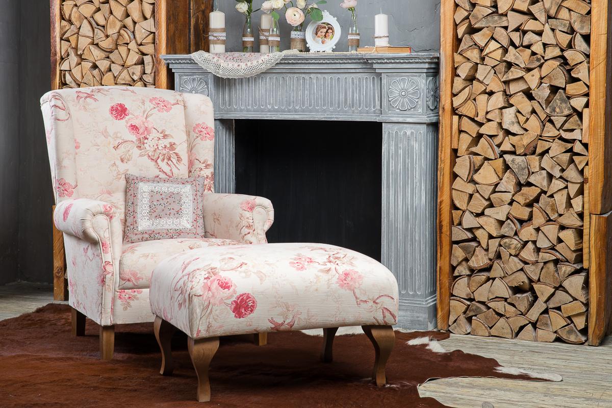 Кресло в стиле прованс с пуфиком