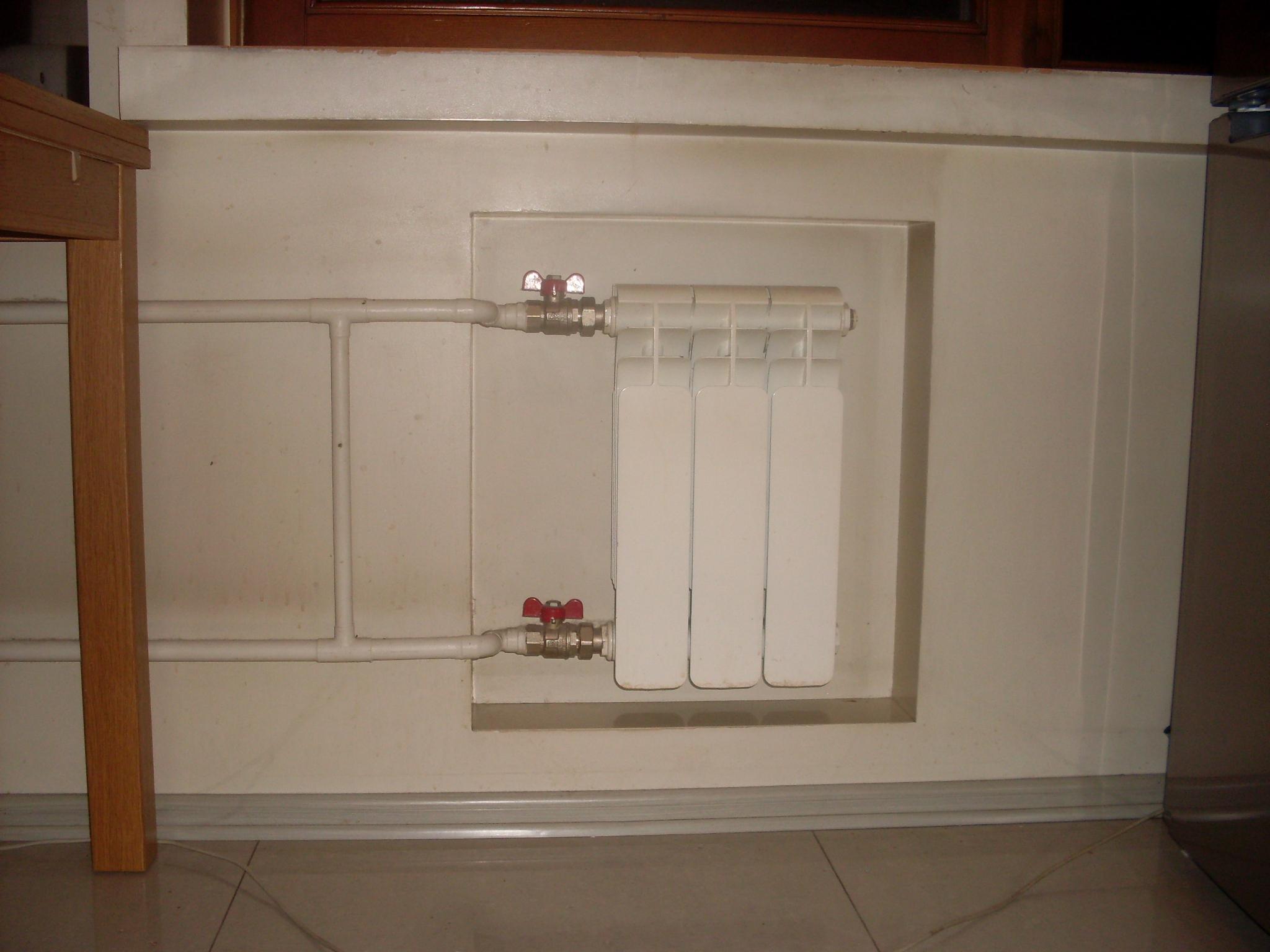 Радиатор вместо холодильника под окном