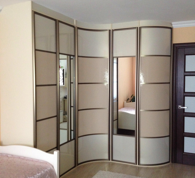 Радиусный шкаф с зеркалом