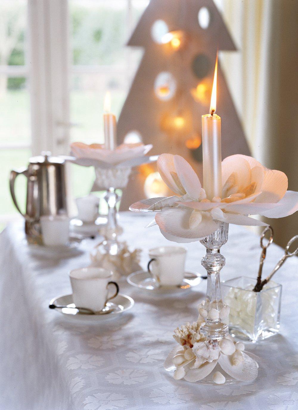 Декор свечи ракушками
