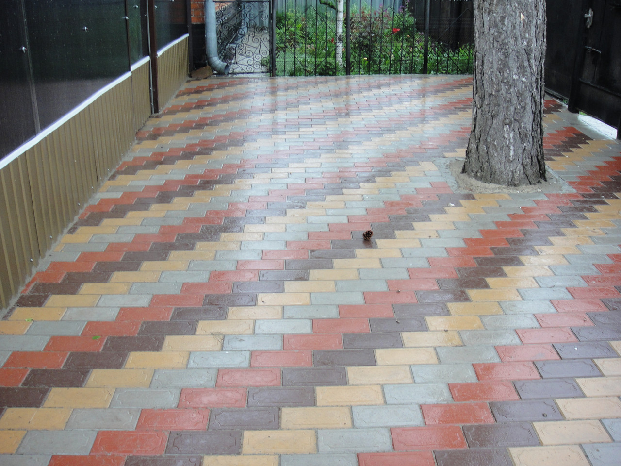 Разноцветная тротуарная брусчатка