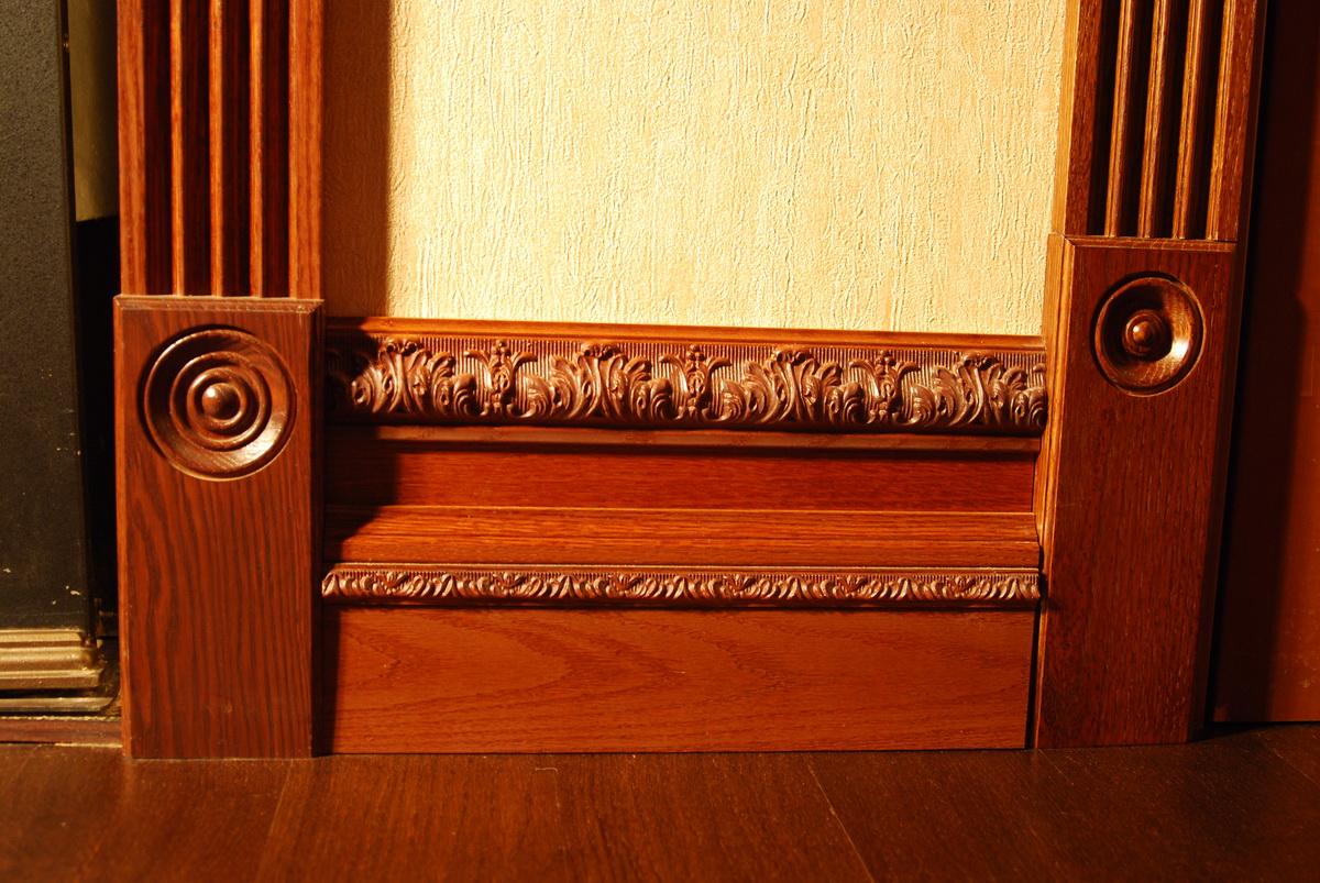 Резной деревянный плинтус