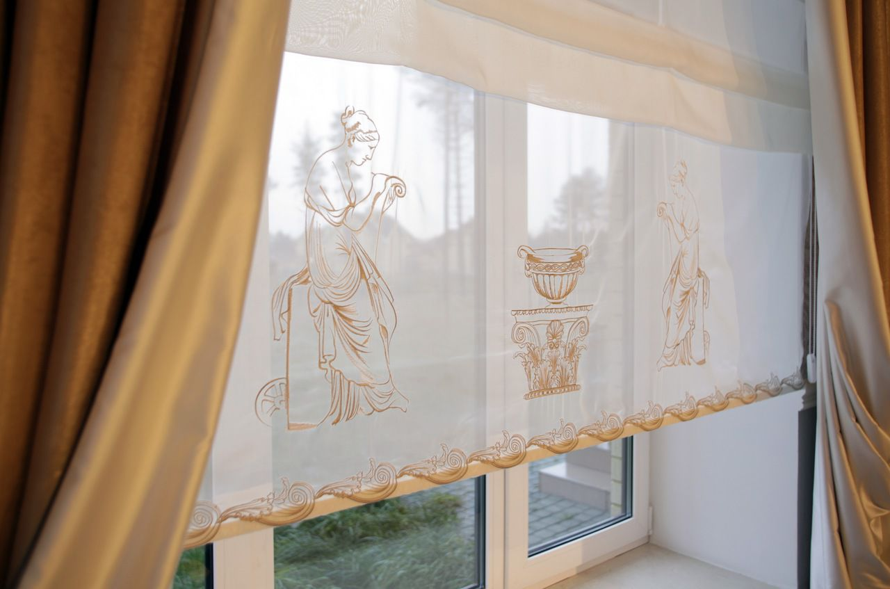 Декор римских штор вышивкой