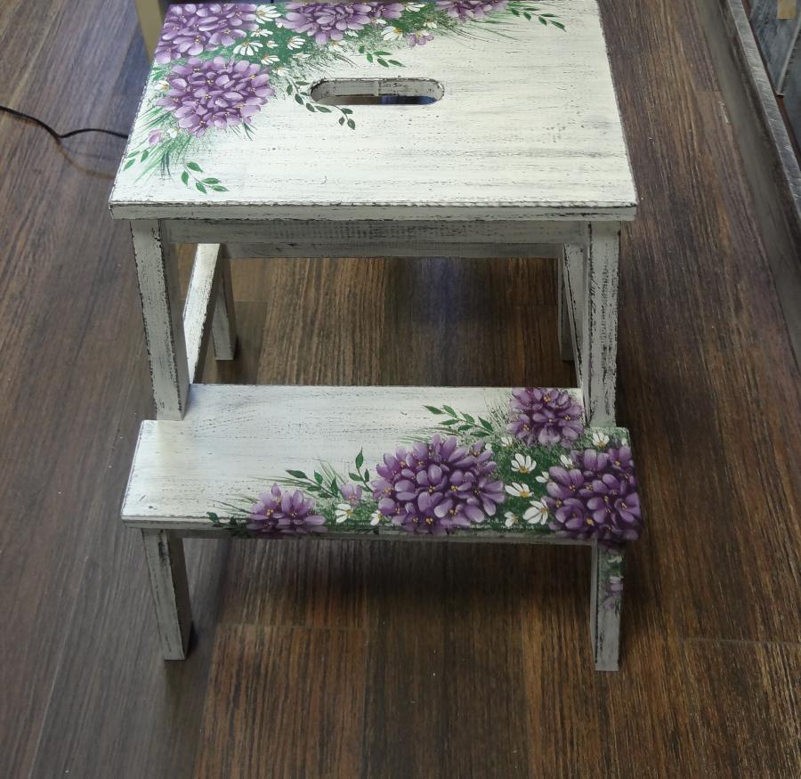 Декор мебели росписью