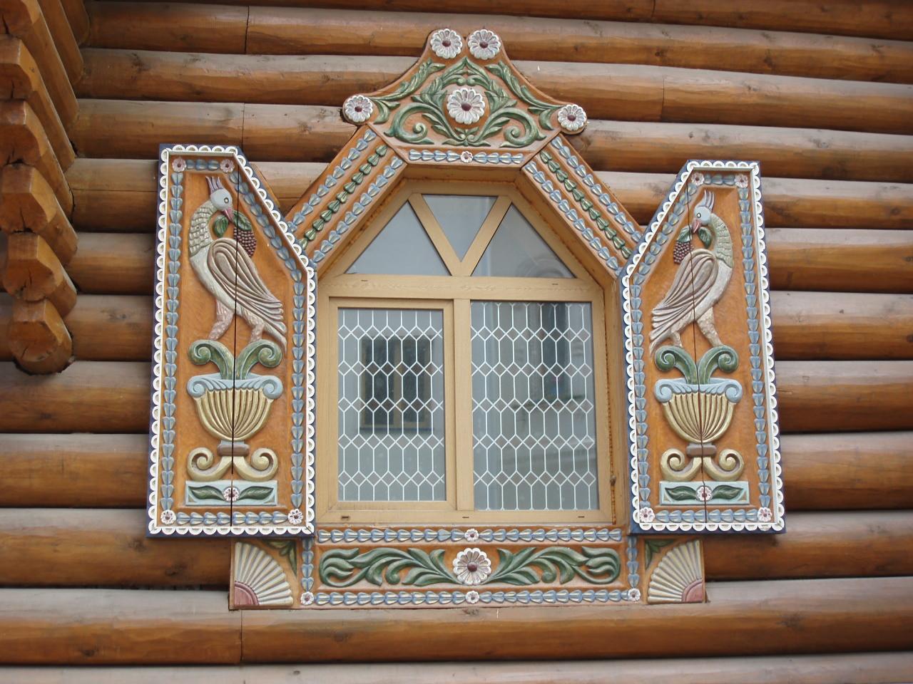 Роспись деревянного окна