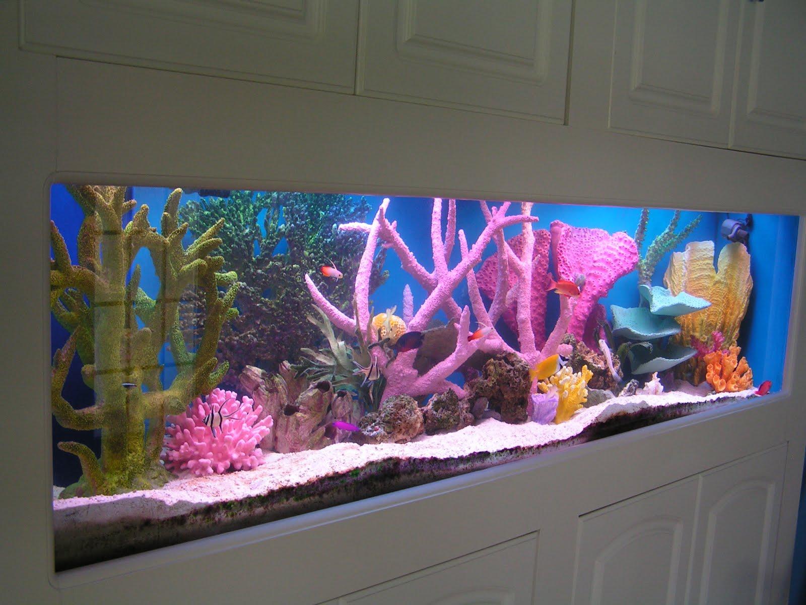 Декор для аквариума розовый
