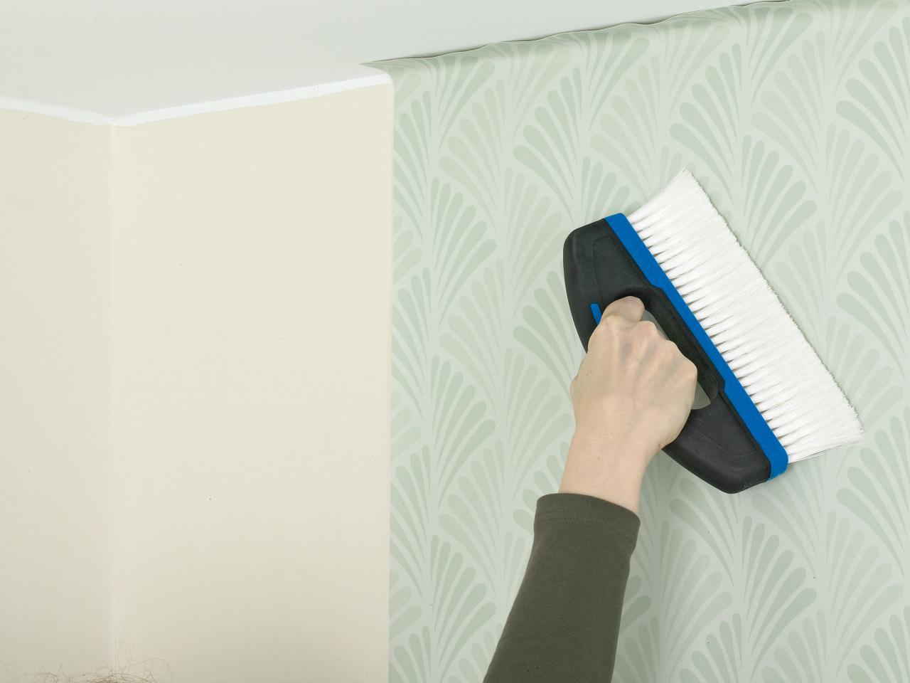 Выравнивание обоев на стене