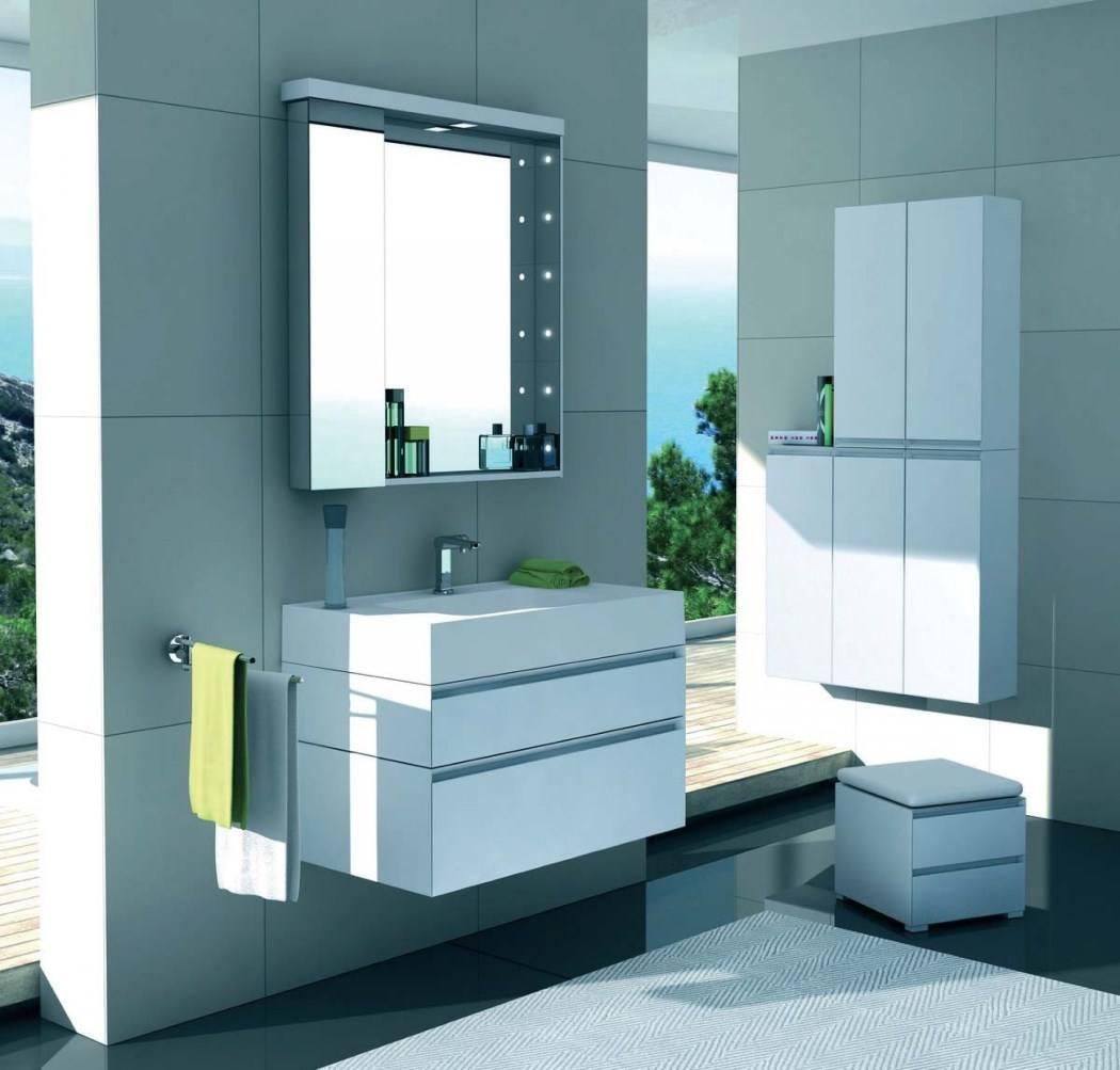 Шкафчик в ванную со светильниками