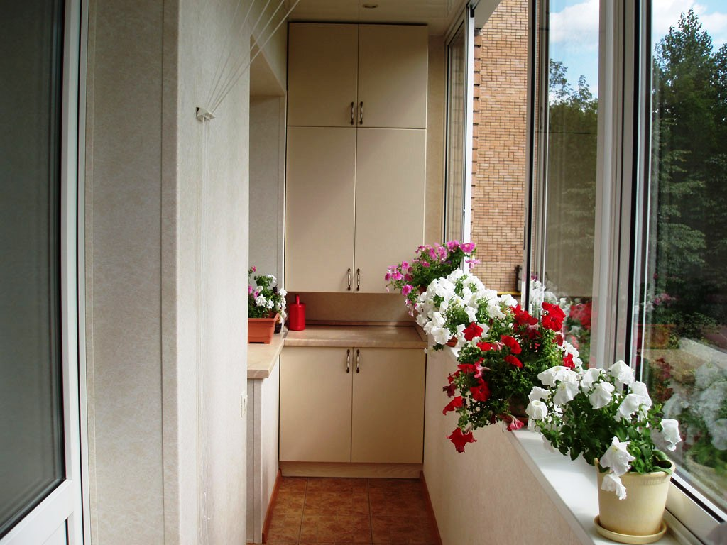 Шкафчики для балкона