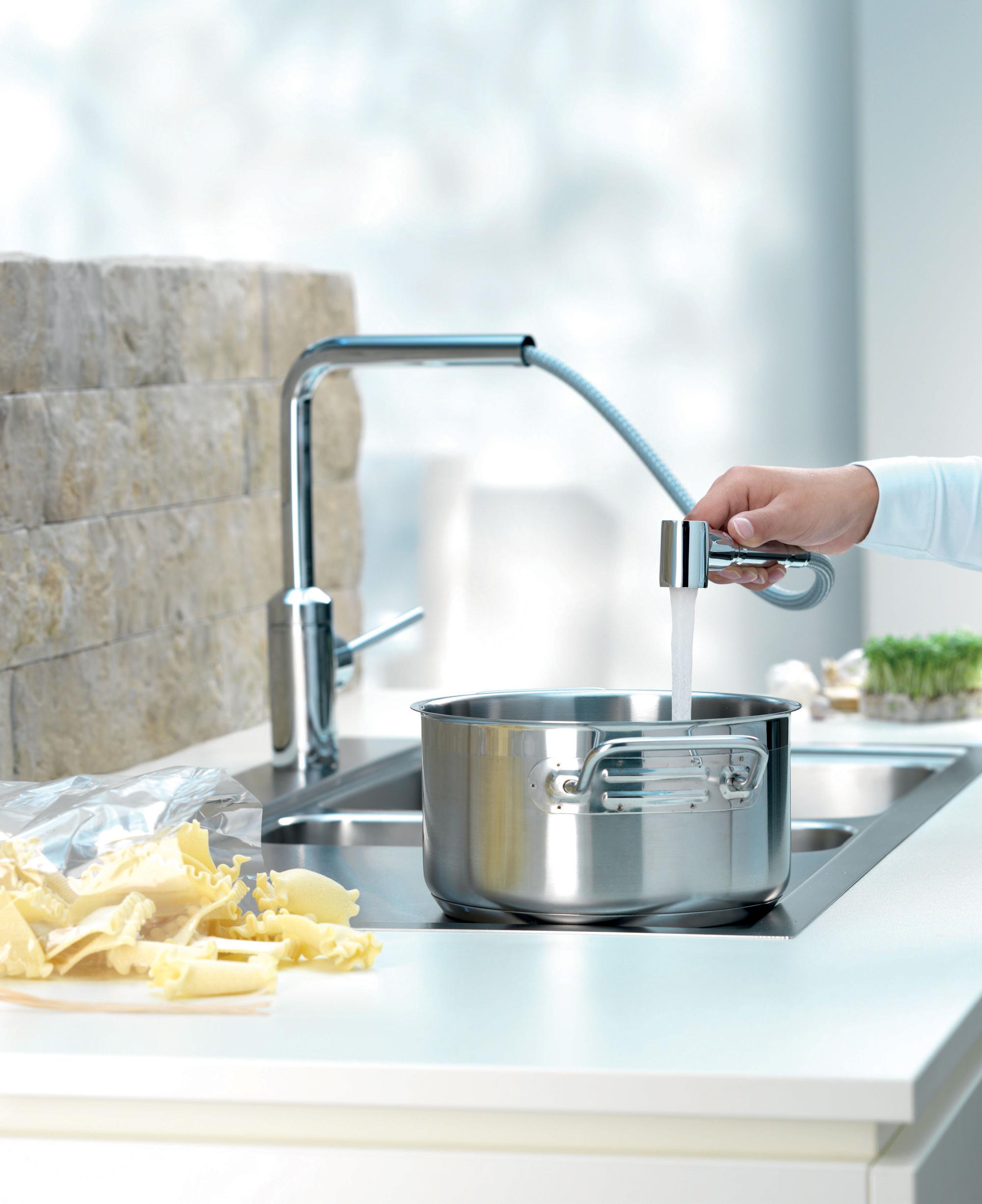 Кухонный смеситель со съемной лейкой
