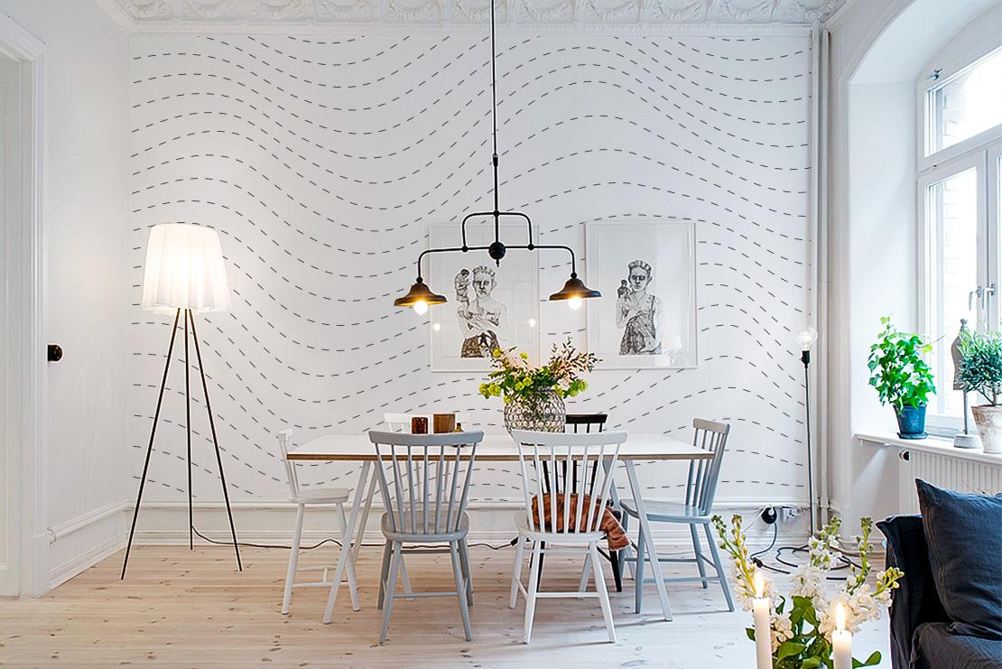 Белые обои с рисунком в скандинавском интерьере