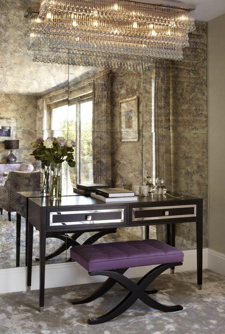 Состаренное зеркало в интерьере