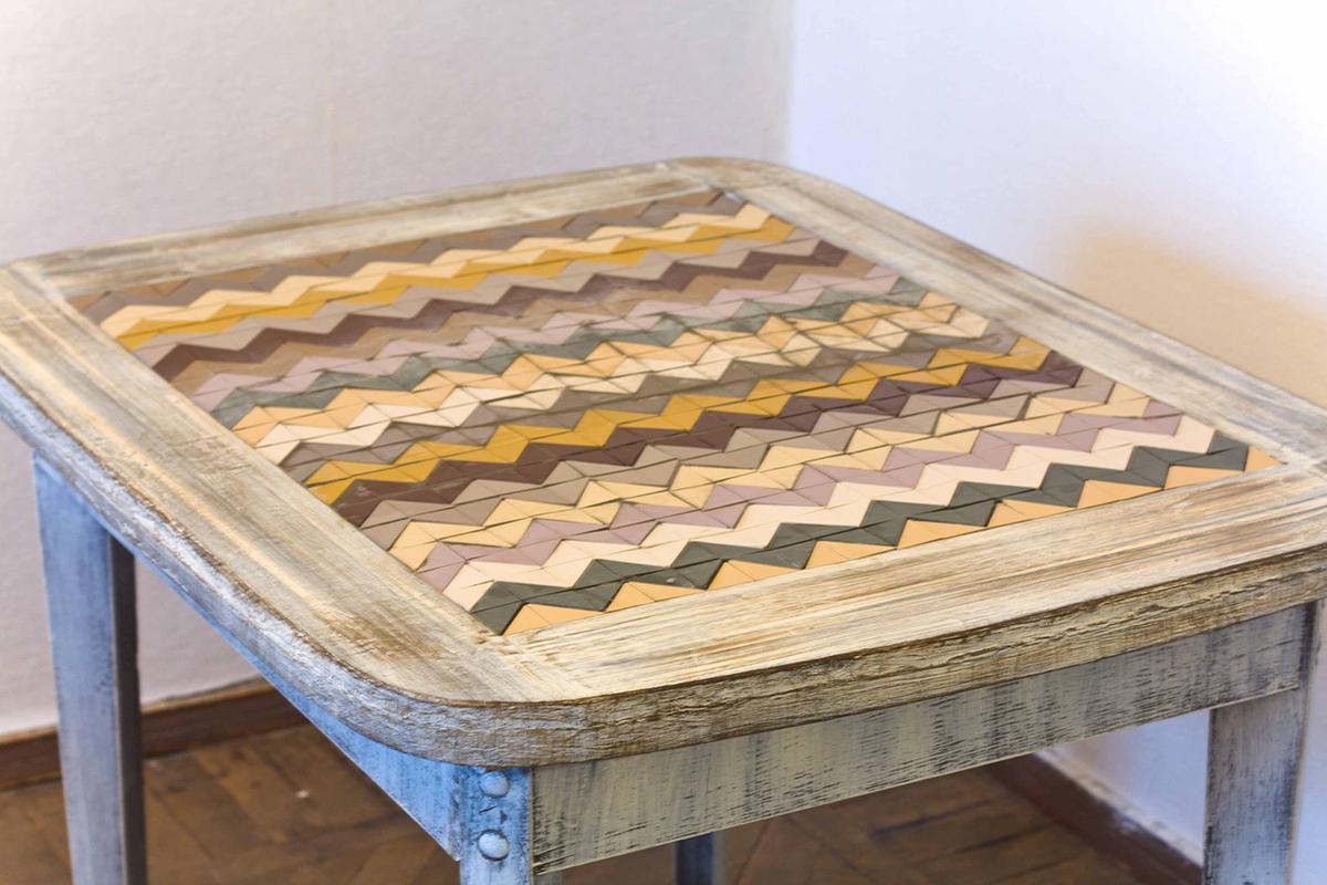 Состаренный стол