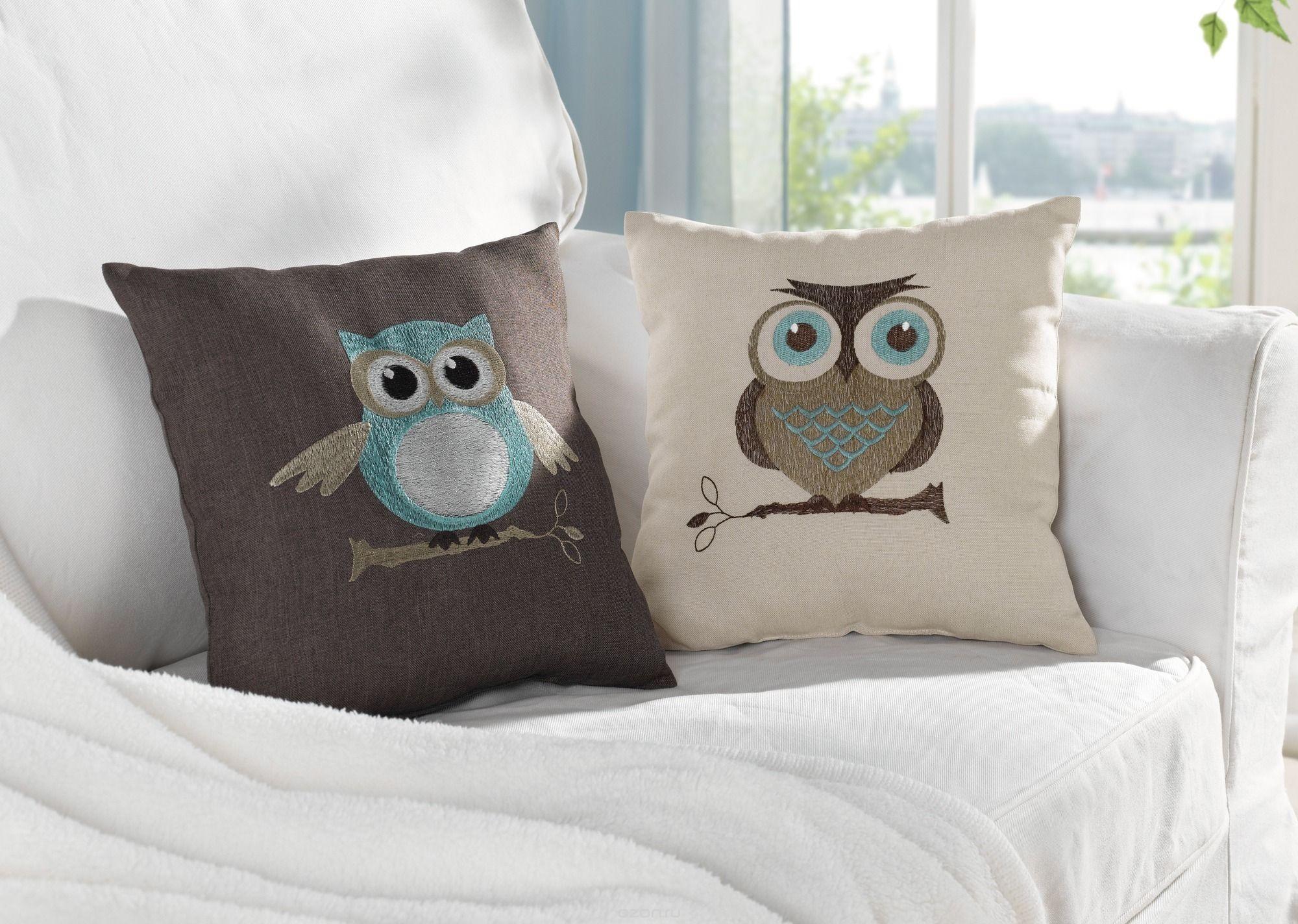 Совы на декоративной подушке