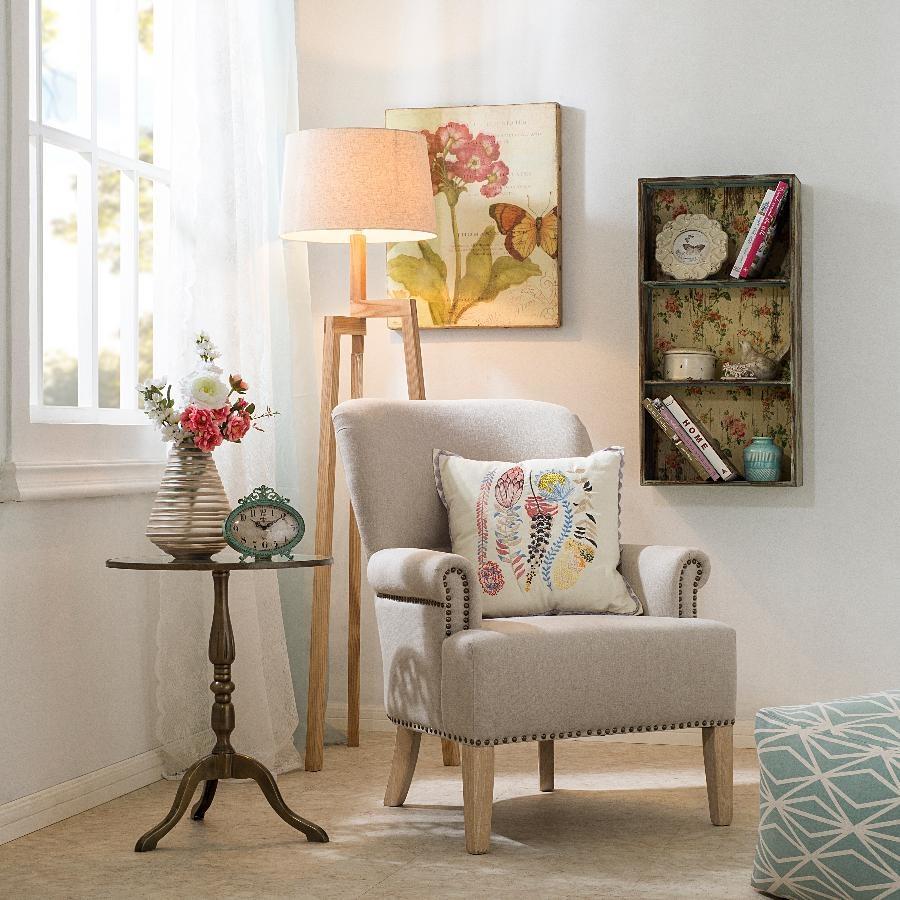 Кресло в стиле прованс в спальне