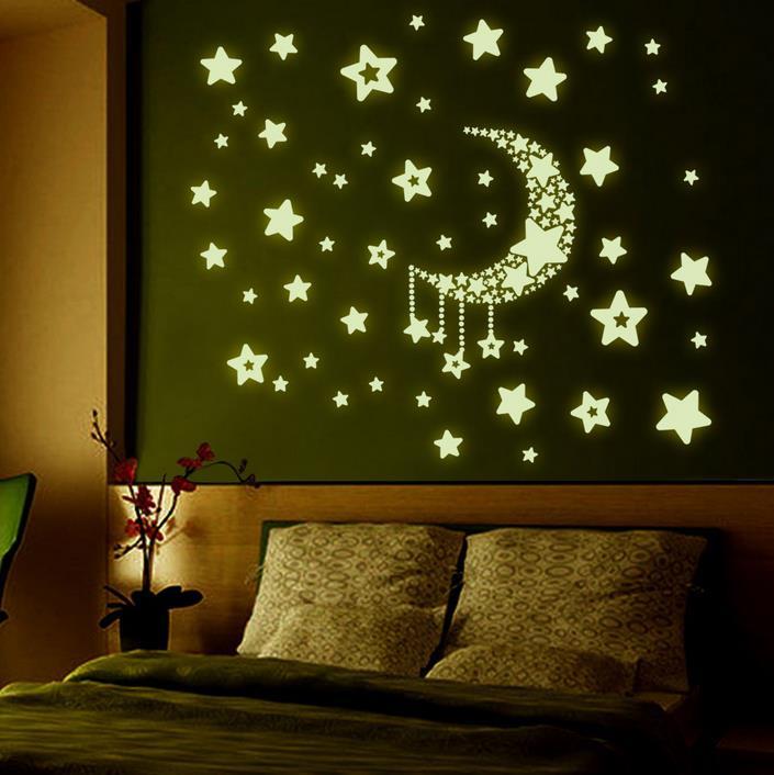 Светящиеся наклейки в спальне