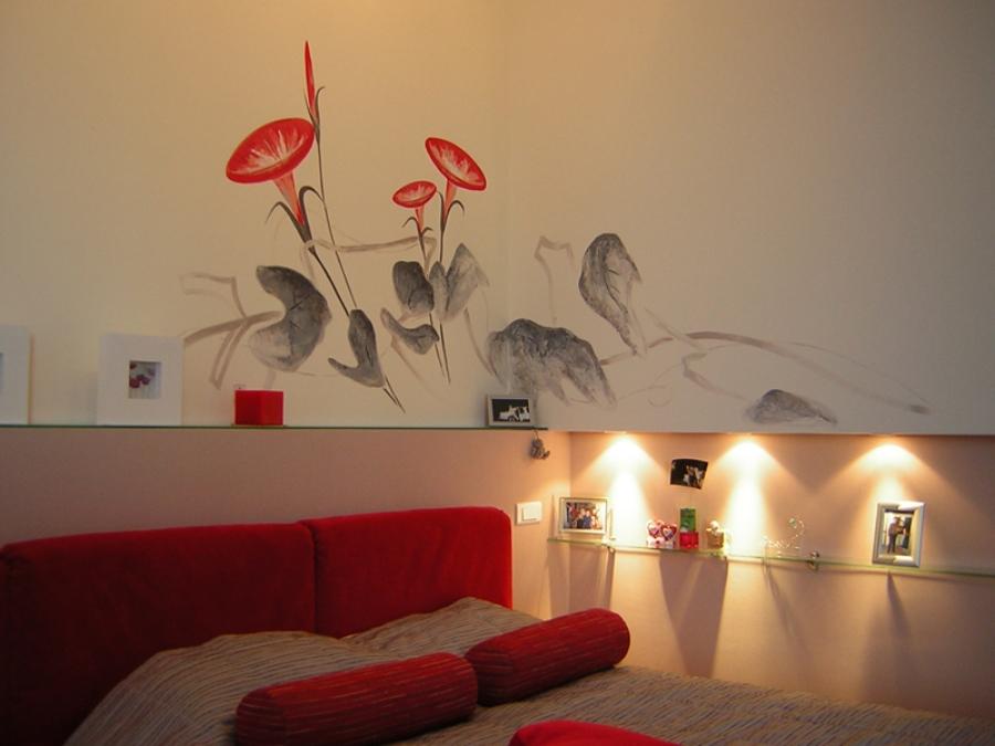 Растительный рисунок на стене