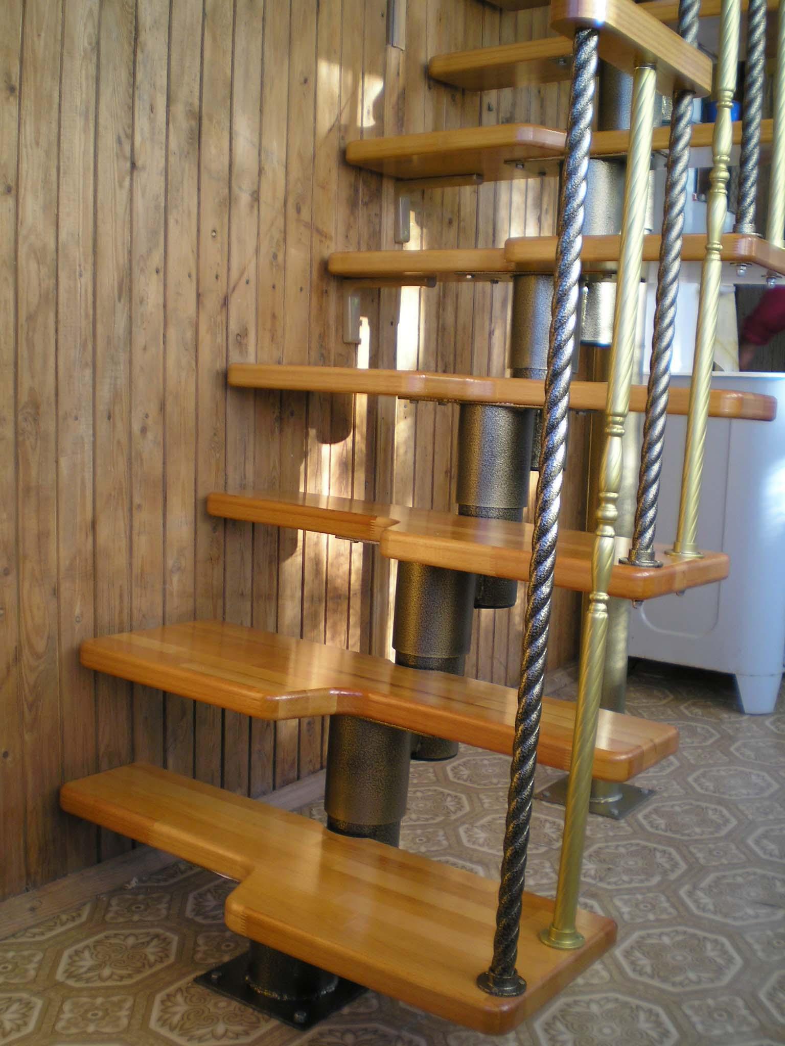 """Лестница """"гусиный шаг"""" из стали"""