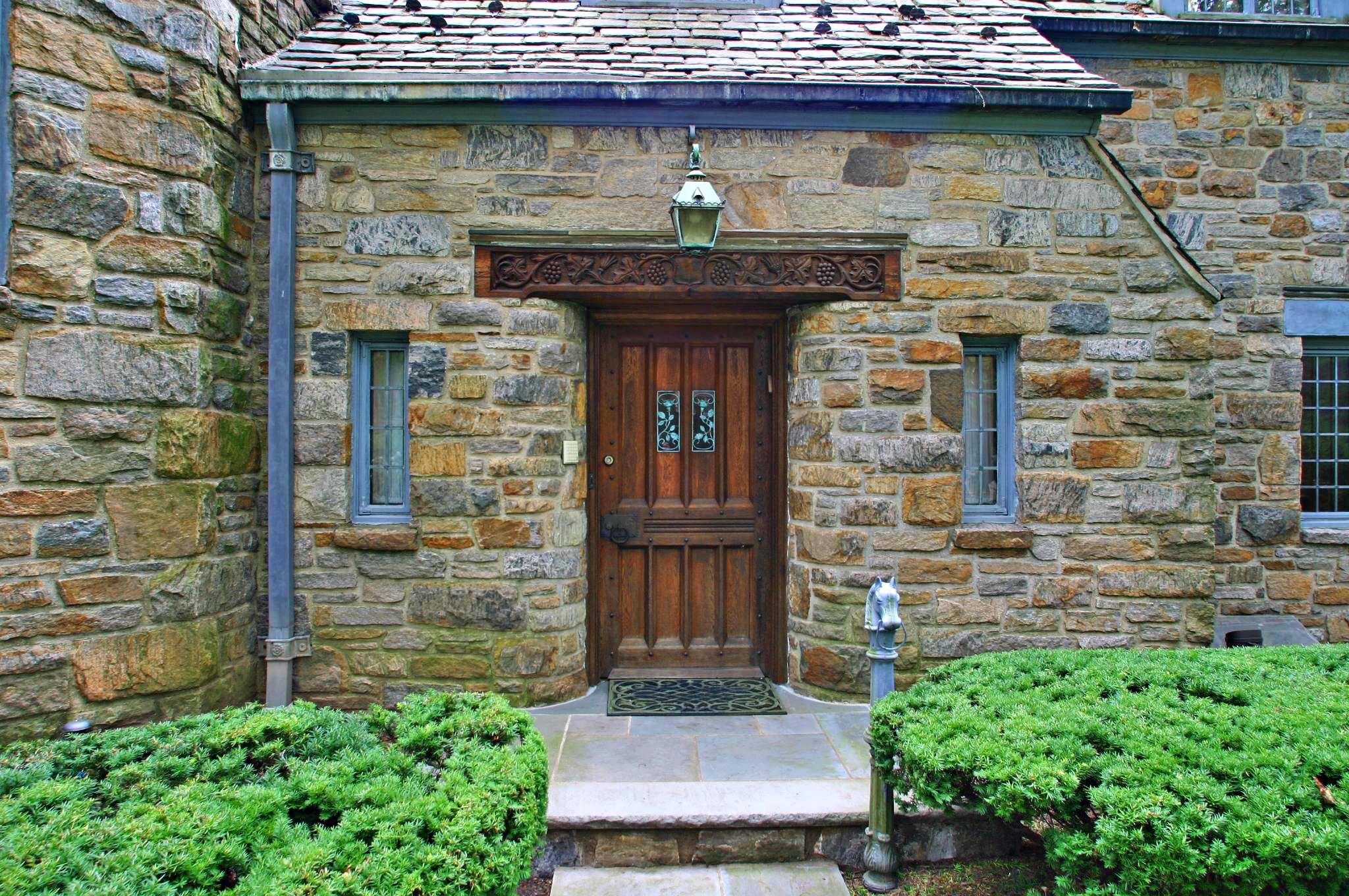 Реставрация старинной двери