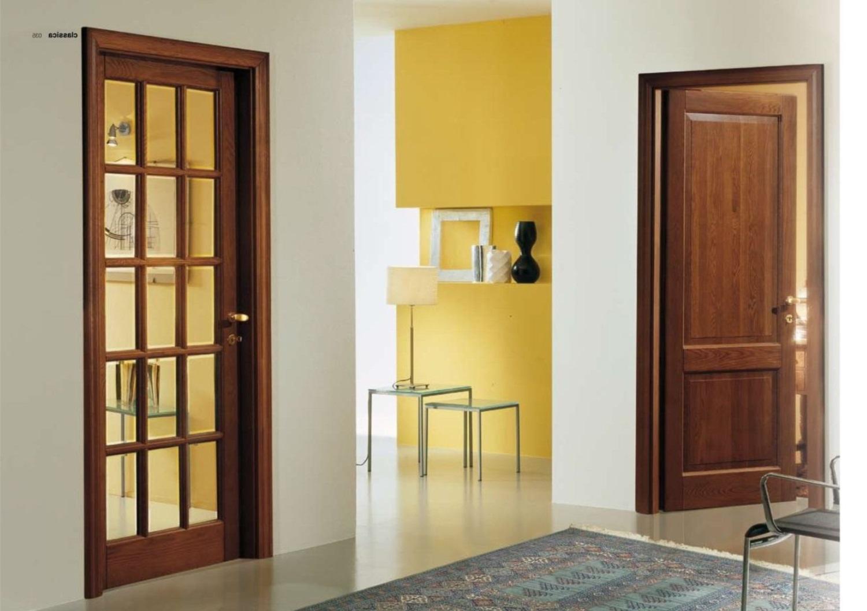 Дверь из массива дерева со стеклом